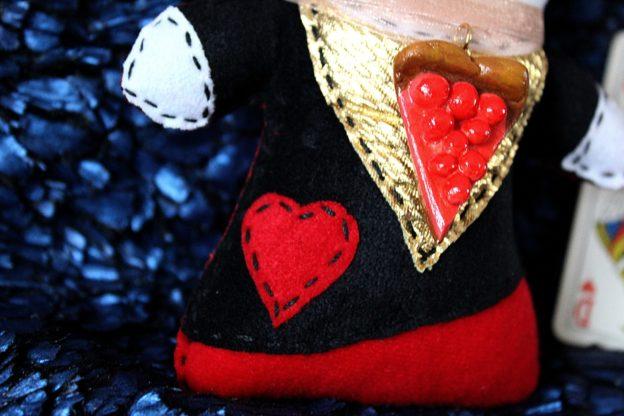 Peluche Reine Rouge