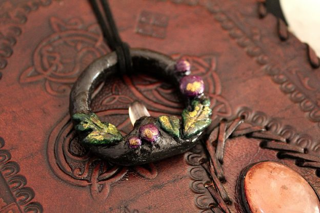 Collier avec cristal de roche Poison Berry